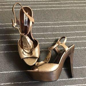 New! Steve Madden platform heel